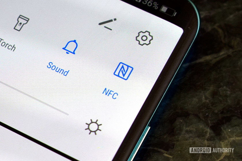 NFC toggle button Android menu. How to use NFC on Android.
